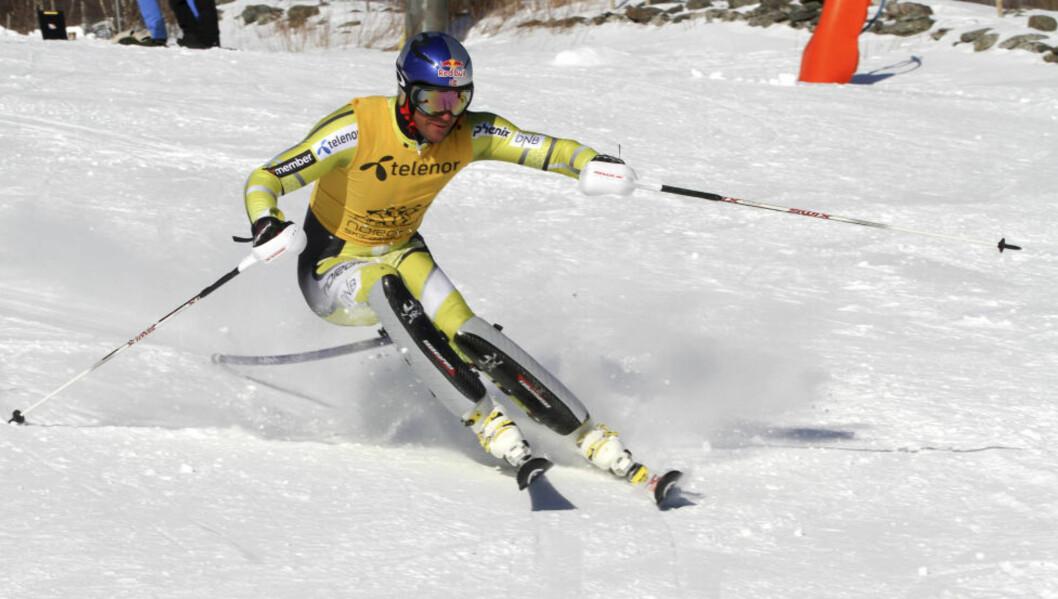 <strong>TRE GULL:</strong> Aksel Lund Svindal har vunnet tre gull av tre mulige i årets NM så langt. Her er han i aksjon i gårsdagens superkombinasjon. Foto: Skiforbundet / NTB Scanpix