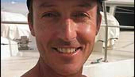 Skipper Mark Ridge frakter dykketurister ut i Great Barrier Reef.