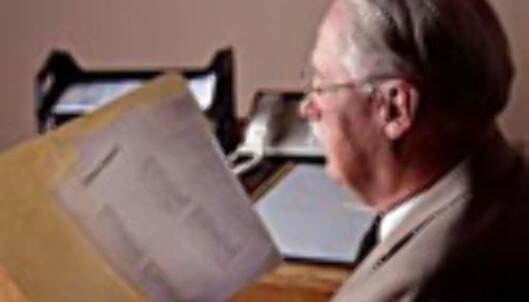 Tror du denne mannen vil lese gjennom en lyserød CV?