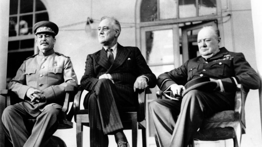 <strong>GA ETTER:</strong> President Roosevelt - her med Stalin og Churchill - valgte å etterkomme A. B. C. Whipples ønske. Foto: AP / NTB scanpix