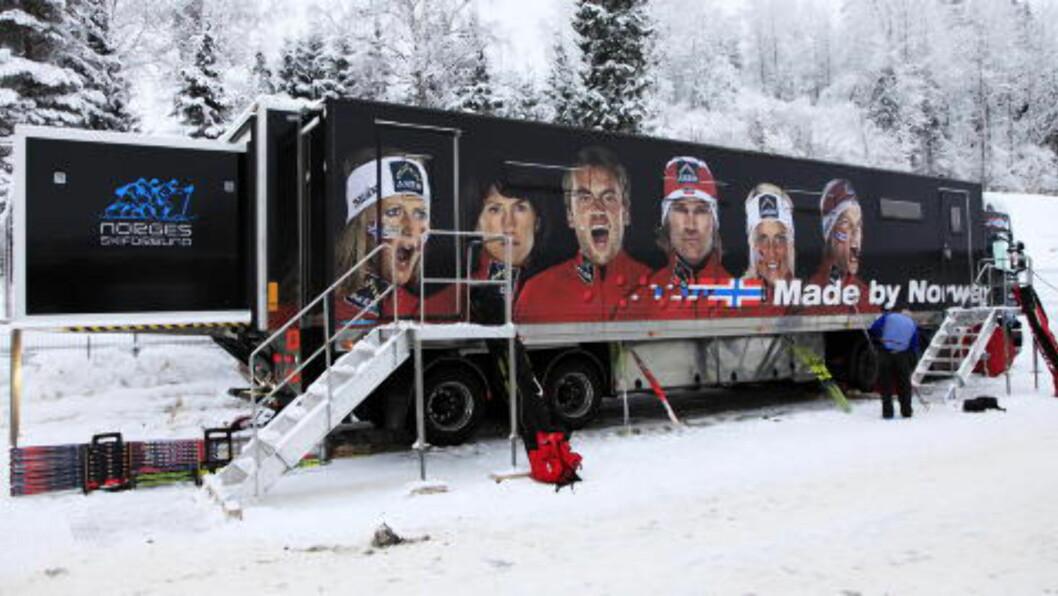 <strong>DEN GAMLE BUSSEN:</strong> Den norske servicetraileren har vært i drift siden 2009. Nå byttes den ut.  Foto: Erik Johansen / Scanpix