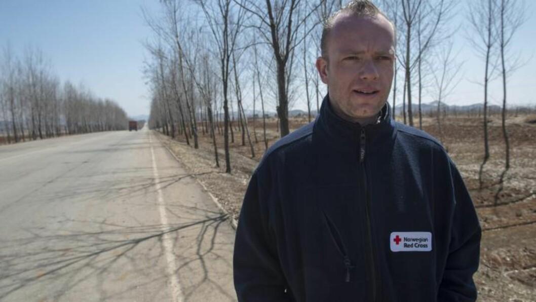 <strong>DAGLIGLIV:</strong> Røde Kors' programdirektør Torben Henriksen har vært i Nord-Korea så mange ganger de siste ti årene at han har kommet ut av telling. Han sier at dagliglivet i det lukkede landet går sin gang, til tross for opptrappingen til en mulig krig. Foto: Olav A. Saltbones / Røde Kors