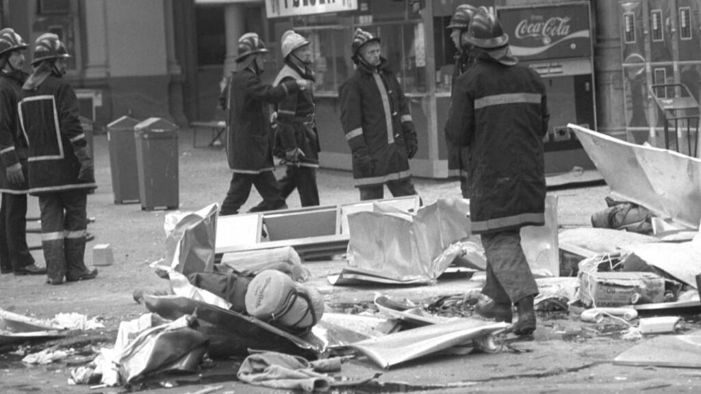 I 1982: En hjemmelaget tidsinnstilt bombe detonerte i en oppbevaringsbok på Oslo Østbanestasjon. En kvinne på 19 år ble drept og 11 personer såret. Foto: NTB / Scanpix