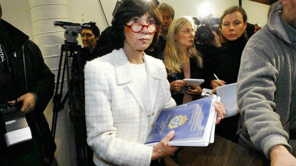 PRESS: Agneta Blidberg er nå pensjonert, men sto midt i både Anna Lindh- og Olof Palme-sakene. Nå snakker hun om det som gjør Olof Palme-saken helt spesiell. Foto: AFP / NTB Scanpix
