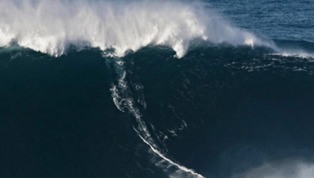 MONSTERBØLGE: New Zealand og USA skulle utvikle en undervannsbombe som skulle brukes som masseødeleggelsesvåpen. Foto: Scanpix/AP.