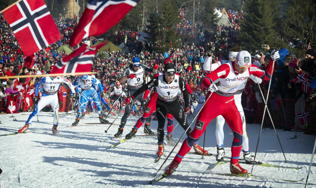 VM-SUKSESS: Oppslutningen rundt et Oslo-OL var enda større rett etter suksessen med VM på hjemmebane i 2011. Her er Petter Northug på vei mot gull på femmila. Foto: HANS ARNE VEDLOG