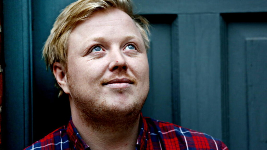 GJØR IKKE SKAM PÅ FLANELLSKJORTA: Kurt Nilsens nye album er en kledelig tilbakelent, overveiende akustisk countrypop. Foto: Jacques Hvistendahl
