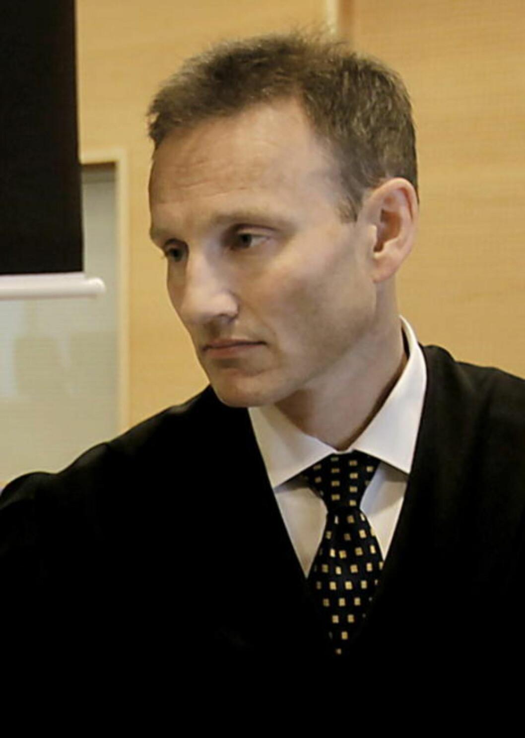 <strong>- STORE BELØP:</strong> LNUs advokat Steffen Brandstad sier det er store beløp i SOS Rasisme-systemet. Foto: Jacques Hvistendahl