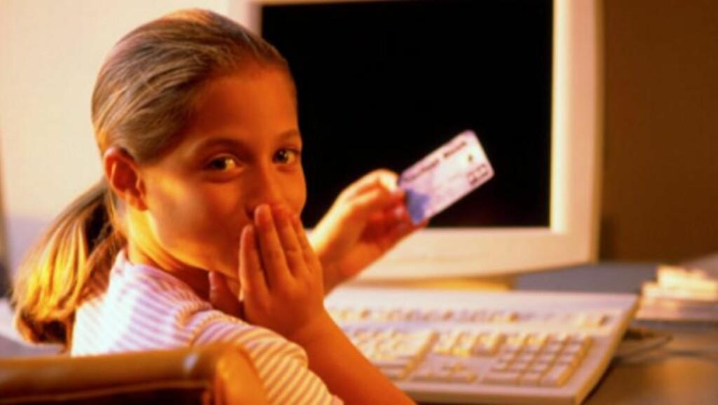 NY ALDERSGRENSE: Før måtte norske barn være 13 år før de fikk tilgang til et eget bankkort. Nå kan de få kort i lommeboka fra de går i andre klasse på barneskolen.  Illustrasjonsfoto:Thinkstock.com
