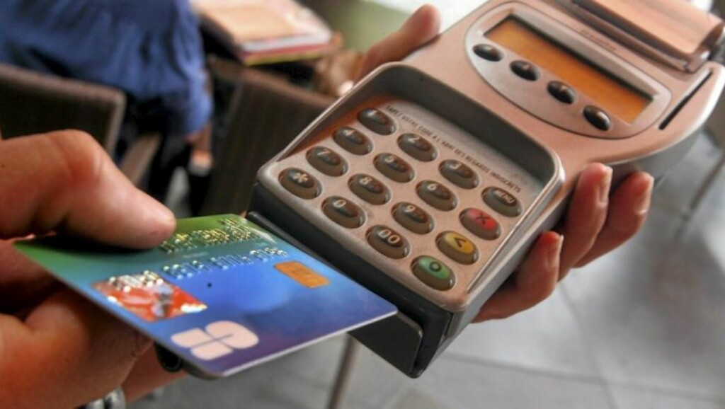 NÅ OGSÅ BARNA: Snart slutter også barna å bruke kontanter. Foto: Colourbox