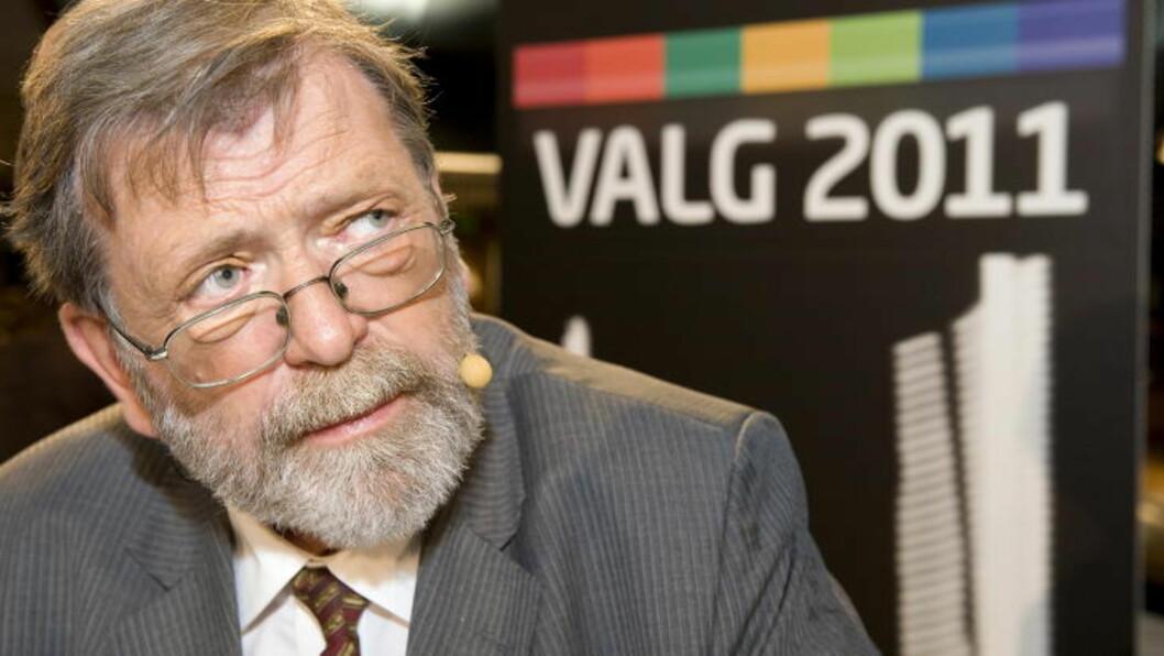 <strong>- MÅ ROE NED:</strong> Valgforsker Frank Aarebrot sier at man bør være veldig oppmerksomme på seksuelle overgrep, men ikke la det bli en døråpner til snerpethet.   Foto: Tor Erik H. Mathiesen / Dagbladet