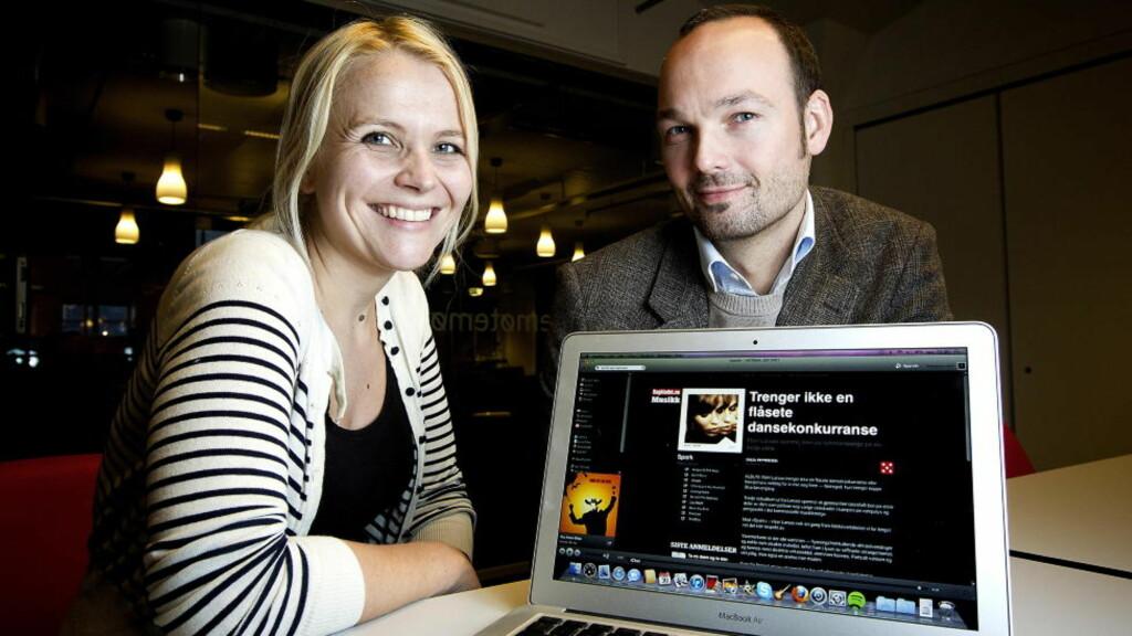 DAGBLADET + SPOTIFY: Teknologi- og utviklingsredaktør Hildegunn Amanda Soldal og musikksjef Sven Ove Bakke i Dagbladet er godt fornøyd med Spotify-samarbeidet. - Dette vil gjøre Dagbladets musikkprioriteringer tydeligere for Spotify-brukerne. Foto: Bjørn Langsem / Dagbladet.