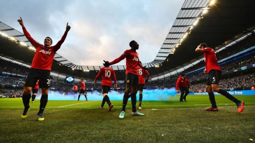 <strong>STOROPPGJØR:</strong> Manchester United slo Manchester City 3-2 på Etihad i går, men toppoppgjøret i Premier League kunne ikke matche den best besøkte kampen på nivå fire i Skottland.  Foto: AFP PHOTO/PAUL ELLIS