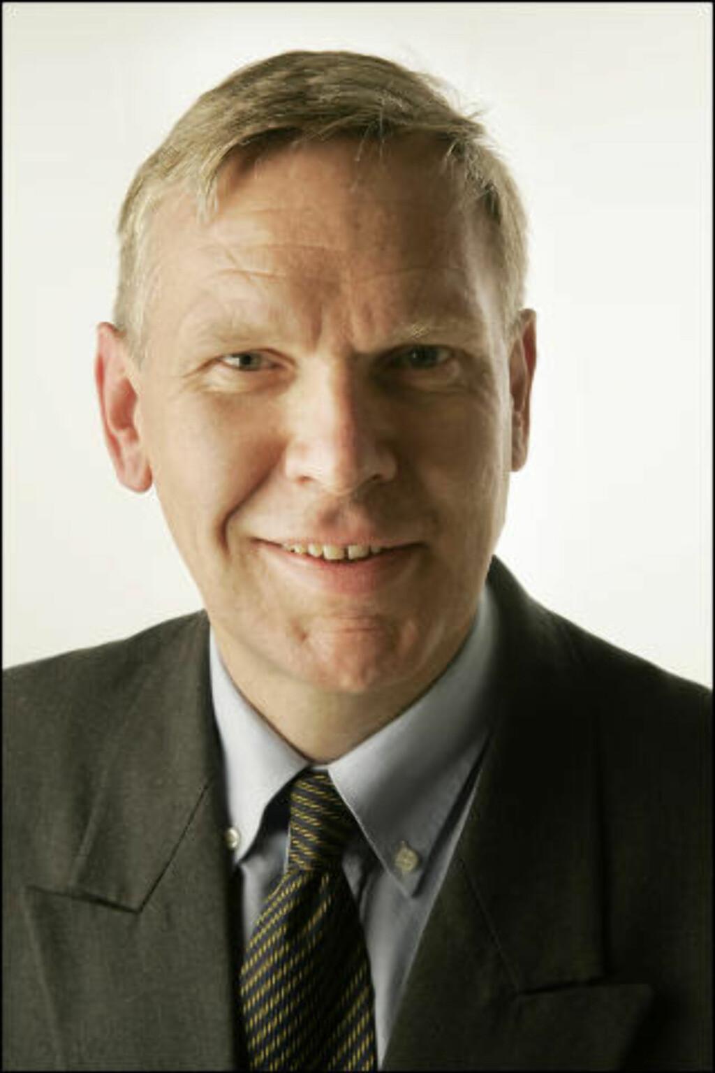 VIKTIG MED KONTROLL:  Jørgen Myrland, administrerende direktør i Cisco Norge, mener undersøkelsen beviser at det er viktig å ta kontroll over egen mobilbruk. Foto: Cisco