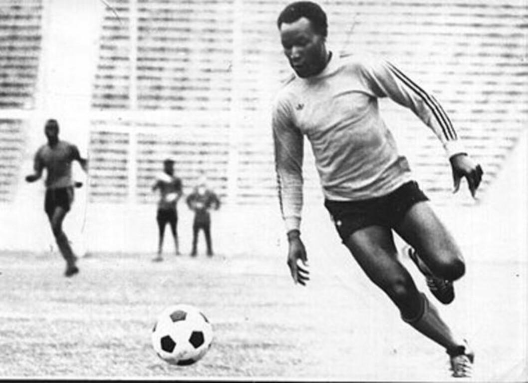 <strong>MÅLKONGE II:</strong> Godfrey Chitalu skal ha scoret hele 107 mål for klubb og landslag i kalenderåret 1972. Nå mener det zambiske fotballforbundet at Chitalus rekord må anerkjennes på linje med Messi og Müllers.