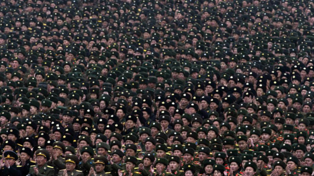 <strong> HUNDRETUSENER:</strong>  Flere land har fordømt Nord-Koreas oppskyting, som fredag ble feiret av hundretusener i Pyongyang. Foto: NTBSCANPIX/AP Photo/Ng Han Guan