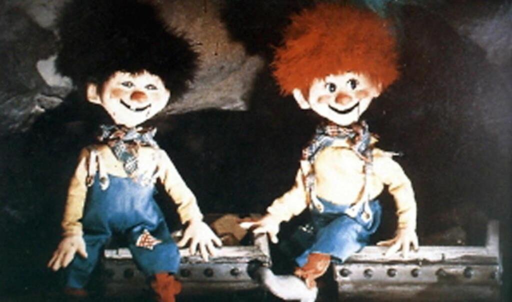 HVEM ER KARIUS OG BAKTUS? Ifølge teaterinstruktør Trond Solberg utviklet Karius og Baktus seg fra å være måpende, mørkehårete og storøyde tanntrolll til å bli de to plageåndene vi kjenner fra Ivo Caprinos dukkefilm.