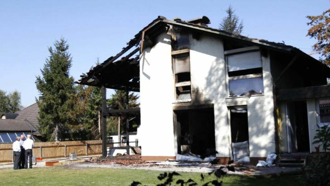 ETTER BRANNEN: Dette er huset Breno leide i i Grünwald utenfor München. Foto: AP /dapd/  Sebastian Widmann