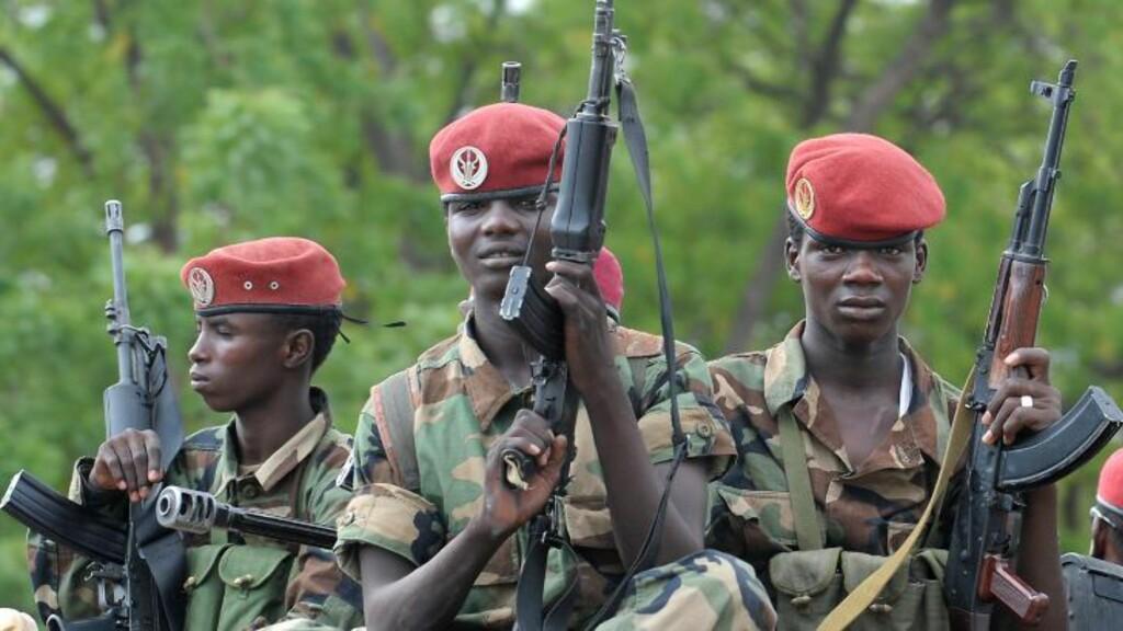 HJELP: Soldater fra Tsjad er i Den sentralafrikanske republikk, men sliter med å stå imot opprørerne. Dette bildet er fra 2008. Foto: AFP / NTB Scanpix
