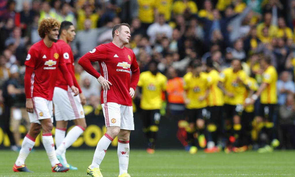 FORTVILER: United-spillerne fortviler etter at Watford har vunnet kampen. Foto: Reuters / Eddie Keogh Livepic