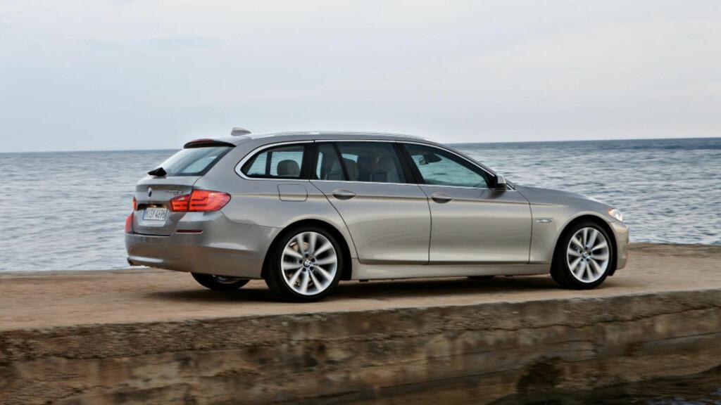 TOPPER LISTA: BMW 5 Series Touring er en bil mange ønsker seg, den er også den suverent mest populære bilen å importere. Foto: BMW