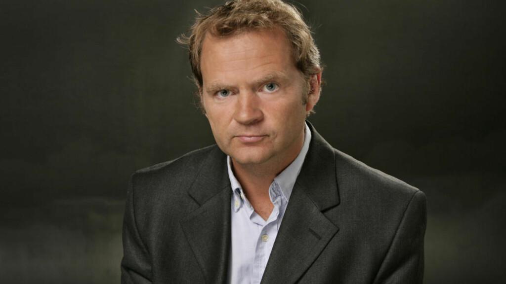 «PINLIG»: Det har ofte vært pinlig å høre på selvfølgelighetene som Knut Magnus Berge, og de andre NRK-kommentatorene i Breiviksaken, med stor patos lirer av seg i sending etter sending, skriver tidligere Dagsnytt-redaktør Frode Rekve. Foto: NRK