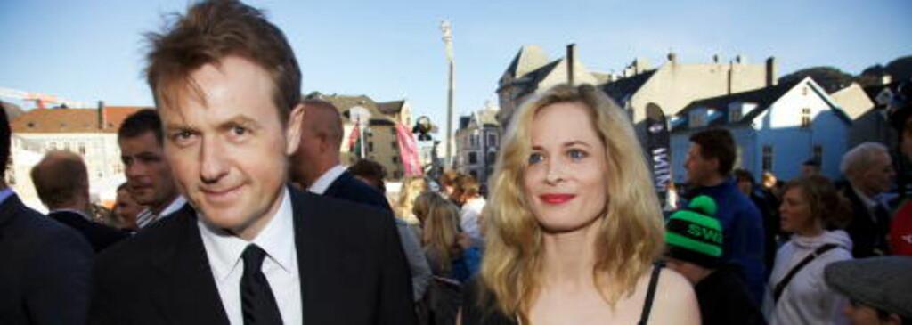 NAZISTEMPLES: Hærland spøker med at Fredrik Skavlan og samboeren Maria Bonnevie er nazister i sitt nyeste show.  Foto: Eirik Helland Urke / Dagbladet