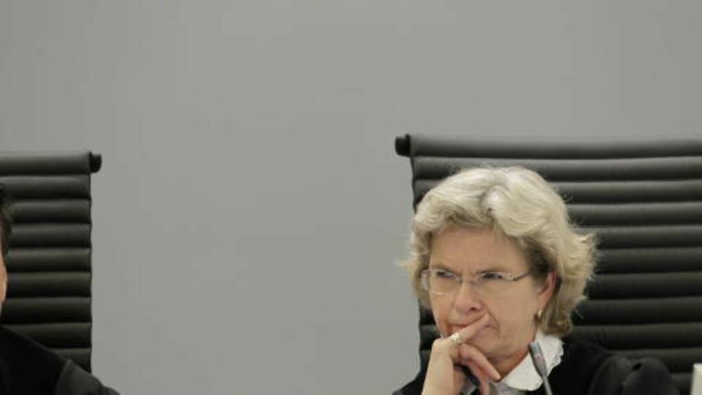 LESTE DOMMEN: Wenche Elizabeth Arntzen, rettens formann i saken mot Breivik. Foto: Berit Roald / NTB Scanpix