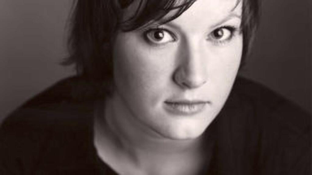 Agnes Ravatn er journalist og forfatter. Hun presenterer klassikere innen selvhjelpslitteraturen i Dagbladet én gang i måneden.