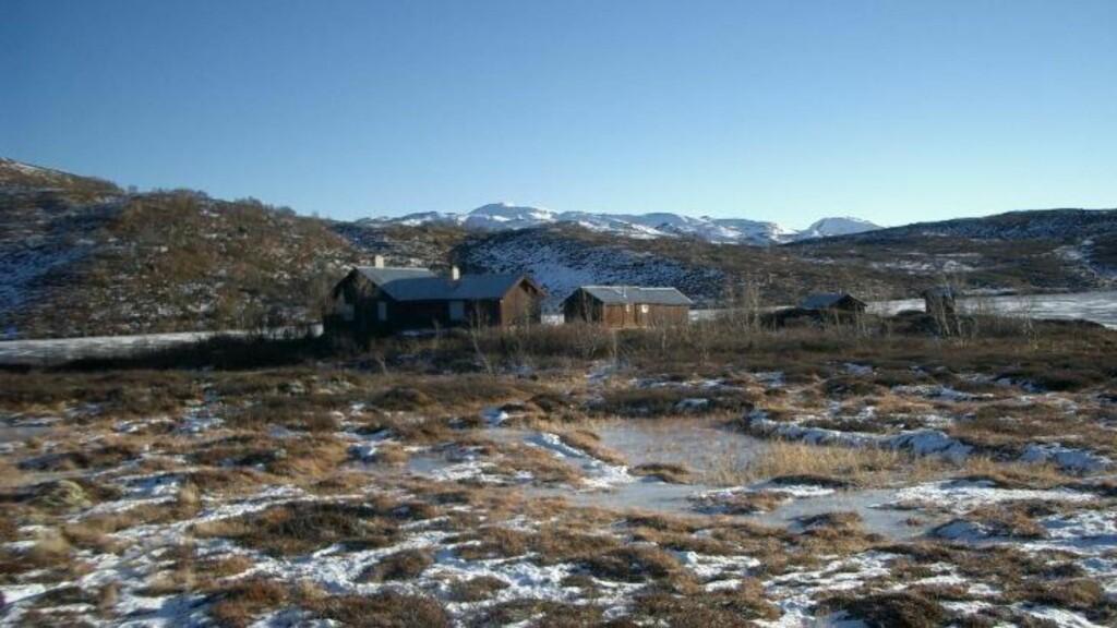 PUSSER OPP GAMLE HYTTER:  Stordalen fikk tillatelse til å bygge i det vernede området hvis han sørget for å ta vare på de gamle hyttene. Foto: Søndergaard Rickfelt AS Arkitekter.