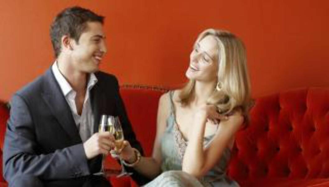 <strong>TRIGGER LYSTEN:</strong> - Rødt fremmer en tøff sex, ikke nødvendigvis romantisk. Det gjør imidlertid oransje, som er livsgledens farge, forteller Tove Steinbo. Illustrasjonsfoto: Thinkstockphoto.com
