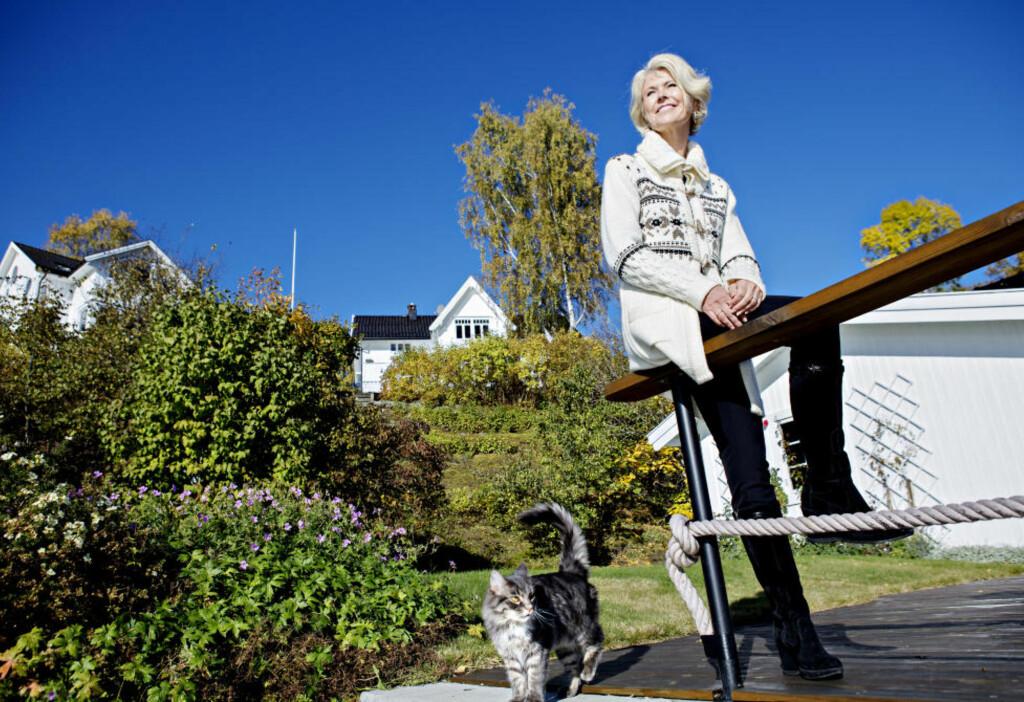 FRA KOSMETIKK TIL KLÆR: Da Hilde Midthjell solgte seg ut av bedriften hun hadde bygget opp, var omsetningen 400 millioner og driftsresultatet 20 prosent. De fleste kvinnene foran henne på Kapitals rikingliste har arvet formuen.  Foto: NINA HANSEN / Dagbladet
