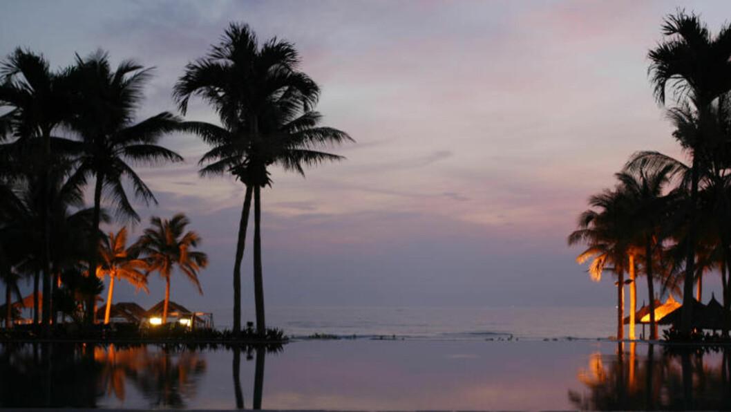 LUKSUSHOTELL: På Furama Resort Da Nang får du alt, enten det er snakk om utflukter meg dyktige guider, Tai Chi-leksjoner på stranda i soloppgangen, yoga-timer, spa, dykkerekspedisjoner eller bare fred og ro i sola. Foto: TORMOD BRENNA