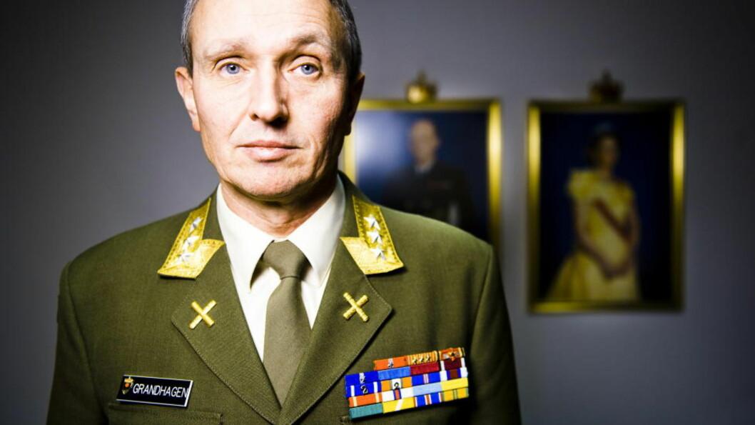ETTERRETNINGSSJEF: General og sjef for e-tjenesten Kjell Grandhagen bekrefter at nordmenn har fått terrortrening i utlandet, men vil ikke kommentere enkelttilfeller. Foto: Håkon Eikesdal