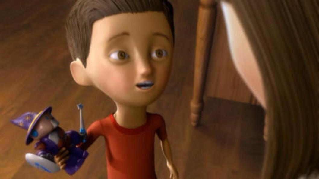 <strong>NY LEKE:</strong>  I løpet av filmen går gutten fra å være glad for sin nye leke, til å ikke ville ha den, for å ikke gjøre Satan glad. Foto: Skjermdump fra filmen