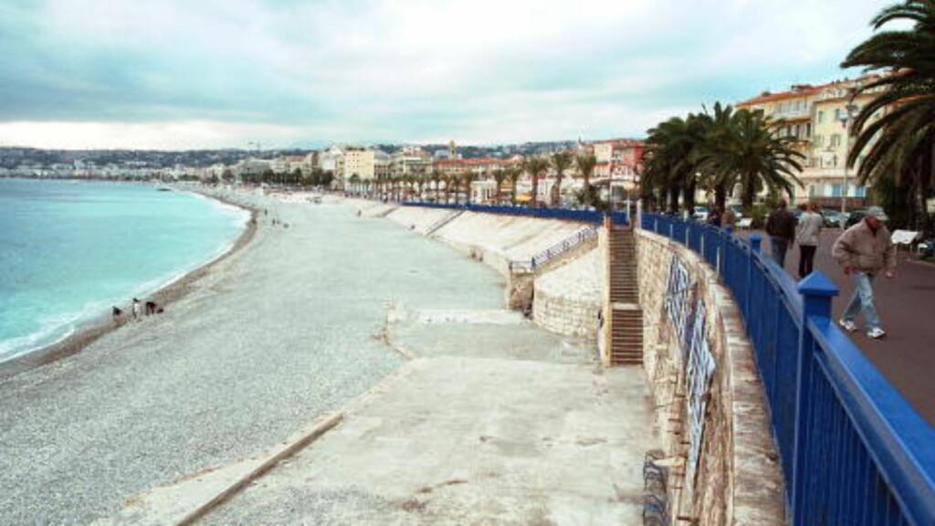 NICE:  Bystranda med den flotte strandpromenaden i Nice. Foto: GEIR BØLSTAD