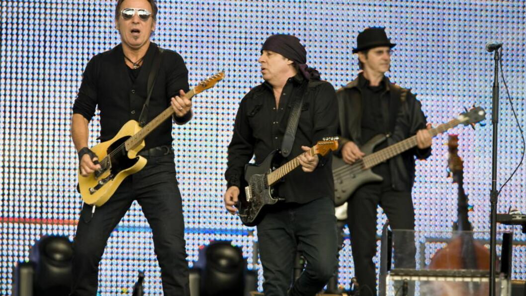 <strong>TIL OSLO:</strong>  I helga spiller Bruce Springsteen og hans E Street Band i Oslo og Bergen. Om turneen fortsetter til 2013, kan den krasje med «Lillyhammer»-innspillingen. Bildet er fra Koengen i Bergen i 2009. Foto: Tor Erik H. Mathiesen / Dagbladet