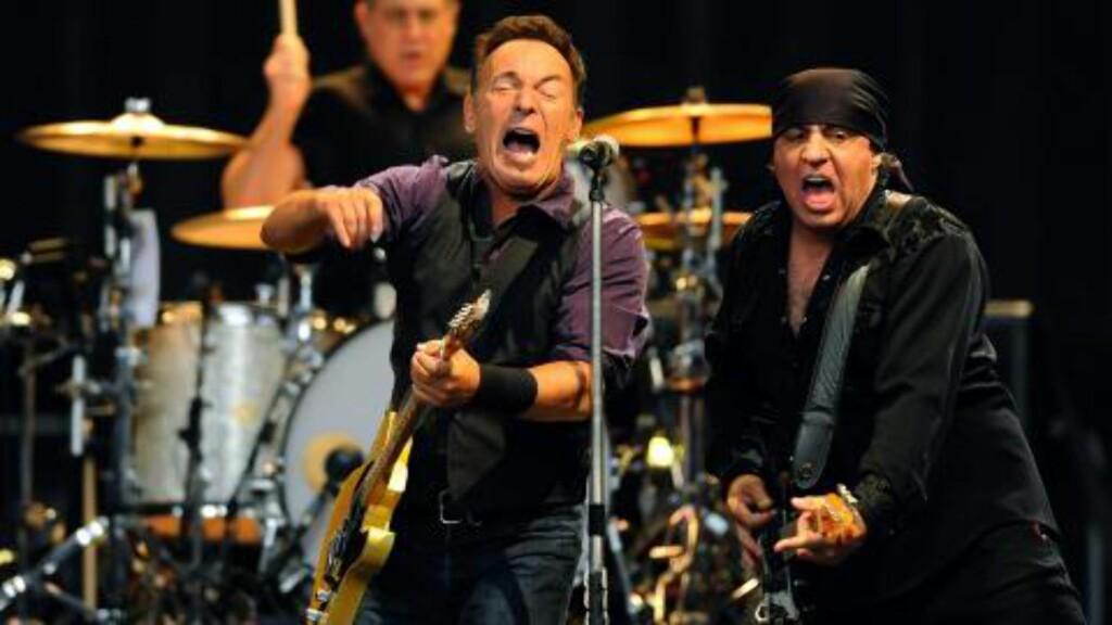 MED THE BOSS: Steven Van Zandt er gitarist i Bruce Springsteens E Street Band, og er nå i Norge for å spille flere konserter. Foto: EPA / NTB Scanpix