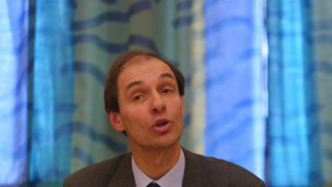 <strong>NY STRAFFELOV:</strong> Professor dr. juris Eivind Smith sier den nye straffeloven som skal innføres også vil gjelde ytringer på nettet. Foto: Hans Arne Vedlog / Dagbladet