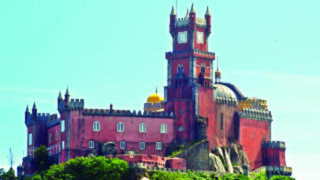 STORT CASINO:  Estorillkysten i Portugal har et av Europas største casinoer, i tillegg til milelange strender. I følge Yahoo travel er stedet verdt et besøk. Foto: Colourbox