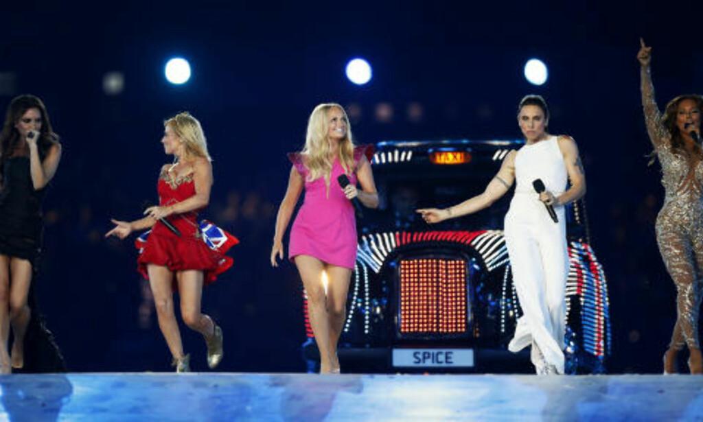 KORT COMEBACK: Spice Girls gjorde comeback på scenen, men bare for én kveld. Foto: AP Photo  /Matt Dunham / NTB Scanpix