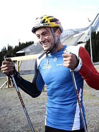 <strong>VELTRENT:</strong> Petter Northug i Holmenkollen sist fredag. Humøret er på topp, det er ikke vekta. Foto: Nina Hansen
