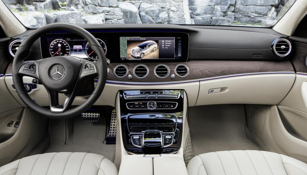 <strong>OVERKLASSE:</strong> Som øvrige E-klasse er luksusfølelsen påtakelig - særlig som her med designo-utførelsen. Foto: Daimler
