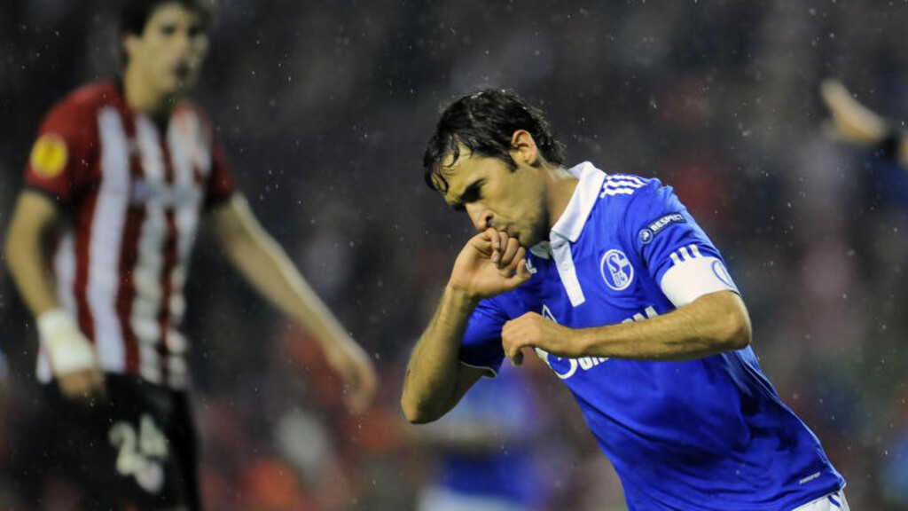 LEGENDE: Raul scoret i europacup for 76. gang, men Schalke er ute av Europa League etter 2-2 i Bilbao.Foto: SCANPIX/AP/Alvaro Barrientos