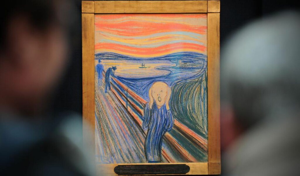 ETTERTRAKTET: I forkant av auksjonen i New York 2. mai, har dette «Skrik»-eksemplaret vært til utstilling i Sotheby's galleri i London for interessenter og øvrige nysgjerrige. Interessen for Munch-maleriet har vært svært god. Foto: Carl Court / Scanpix