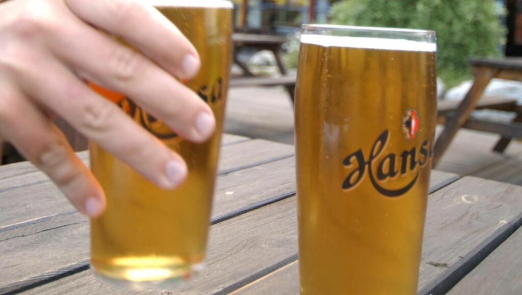 VIL ØKE STYRKEN: Per i dag må det norske folk nøye seg med 4,5 prosent i glassene dersom ølet er kjøpt i butikken. Foto BRUN/AGNETE Dagbladet