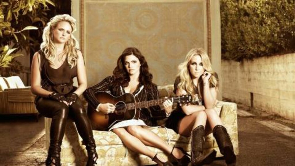 HØYDEPUNKT: The Pistol Annies i countryballaden «Come All Ye Fair And Tender Ladies».
