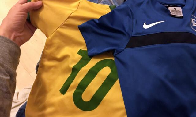 3164f6c7 VASKE FOTBALLDRAKTA? Se hvordan du vasker idrettslagets trøyer på riktig  måte. Foto: Berit