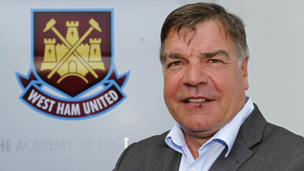ET STEG NÆRMERE PREMIER LEAGUE: West Ham og manager Sam Allardyce. Foto: SCANPIX/AFP/IAN KINGTON