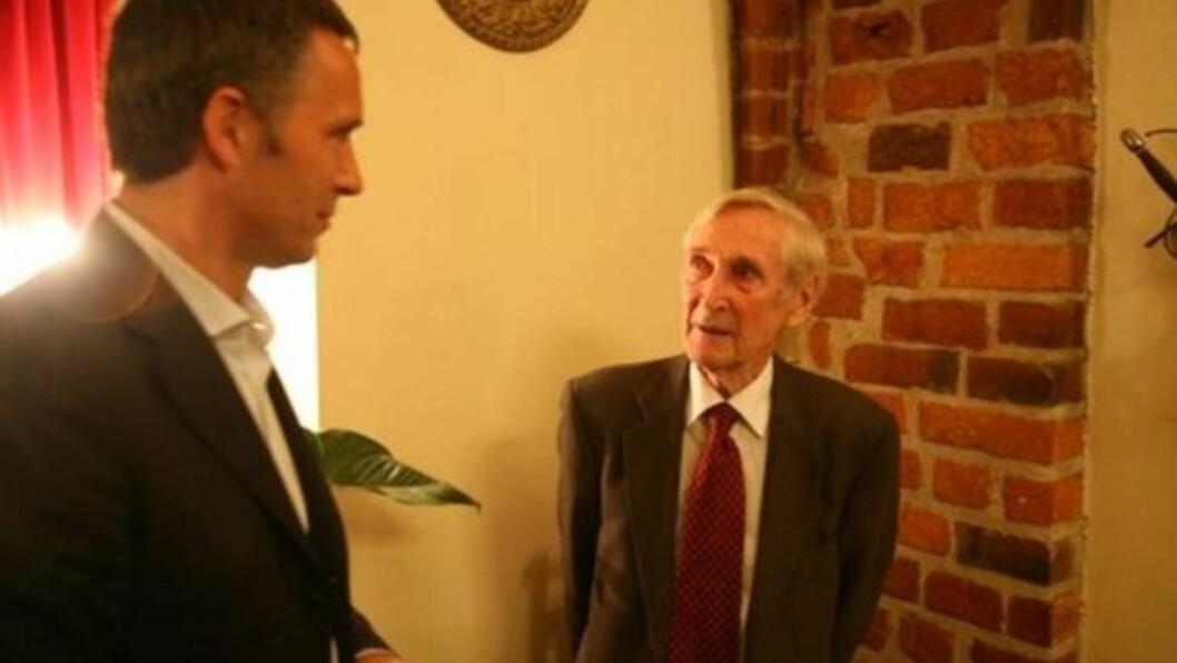 """Gunnar """"Kjakan"""" Sønsteby hadde en stor stjerne hos Jens Stoltenberg - som elsket å høre ham fortelle om sine opplevelser under krigen. Foto:Asbjørn Svarstad"""
